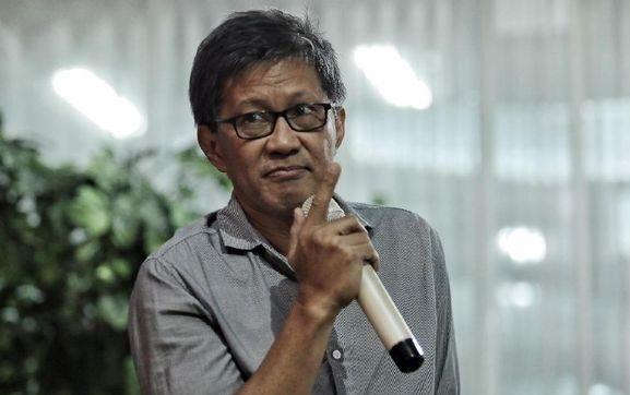 Rocky Gerung: Dua Tahun Lagi Indonesia Bakal Diasuh oleh Oligarki dan Lembaga Survei!