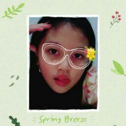 user Julianne Felicia Kurniasatya apkdeer profile image