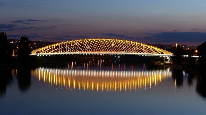 troja-bridge-1