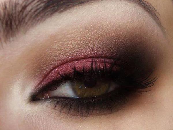 maquiagem-dos-olhos-vermelho-abrir-janela