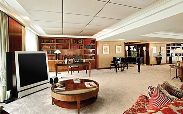 royal penthouse suite geneve