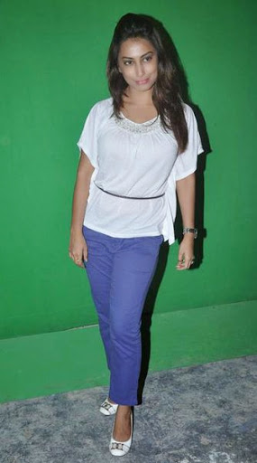 Kranti Redkar Weight