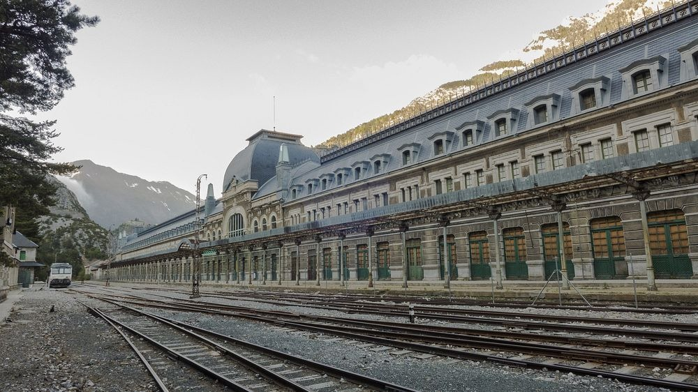 canfranc-station-11