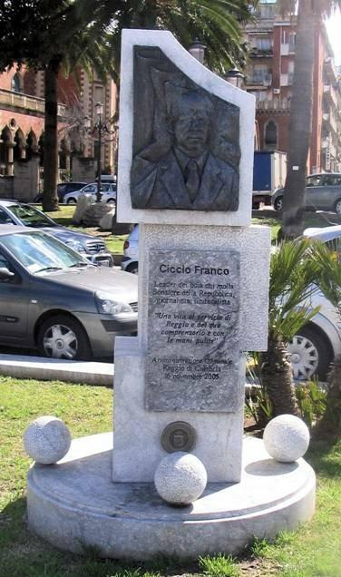 """CICCIO FRANCO, UNA VITA AL SERVIZIO DI REGGIO E DEL SUO COMPRENSORIO.      IL CIRCOLO DI F.d.I. """"ANTONIO E CICCIO FRANCO"""" RICORDA IL LEADER DELLA """"RIVOLTA DI REGGIO"""" IN OCCASIONE DEL 29° ANNIVERSARIO DALLA SCOMPARSA."""