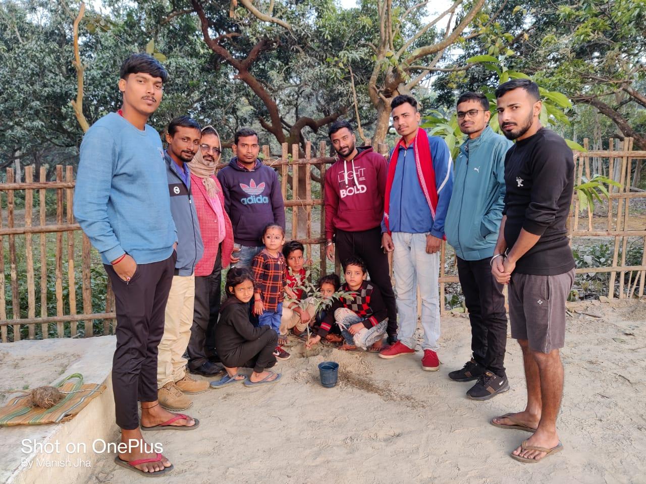 मधेपुरा:जन्मदिवस सरस्वती सेवा सदन रामपट्टी मे वृक्षारोपण करके मनाया, जिला भर में हो रही चर्चा