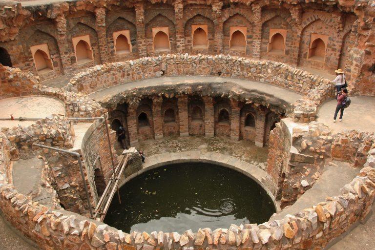[A_Baoli_in_Ferozshah_Kotla_New_Delhi%5B1%5D]