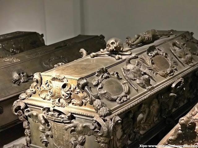 tumbas-cripta-imperial-capuchinos-viena.JPG