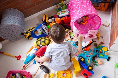 Children play better when they have fewer toys