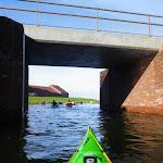 035-We draaien het nieuwe vaarwater de Noordwaard in.