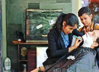 Ils se sont déguisés en garçons afin de payer les factures, maintenant des bourses «Barbershop Girls» de l'Inde