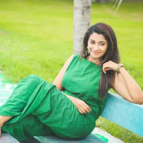 Tamil Actress Priya Bhavani Shankar 30 Best Beautiful HD