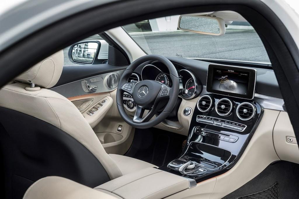 2014-Mercedes-C-Serisi-32