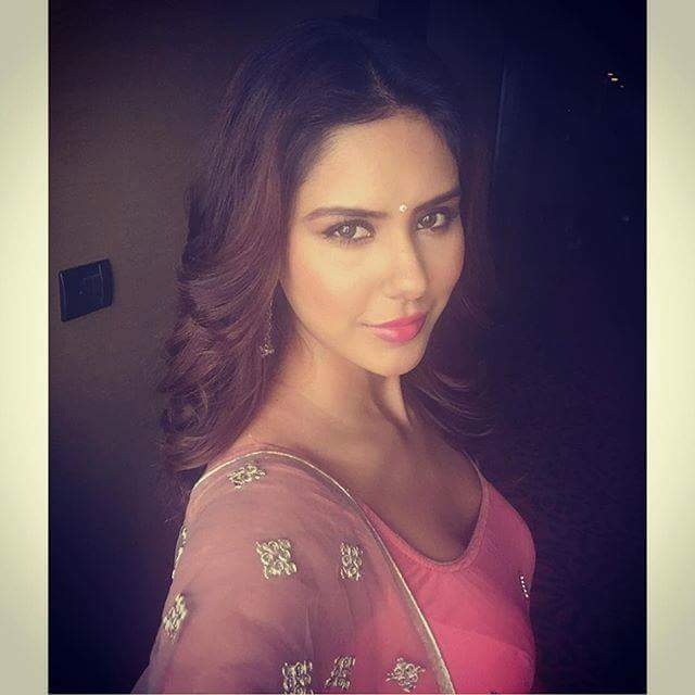 images of sonampreet Bajwa