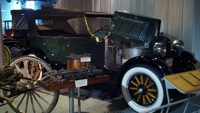 1926 Stanley Steam Car. Америка на колесах - музей антикварных автомобилей в Аллентауне, Пенсильвания (America on Wheels, Allentown, PA)