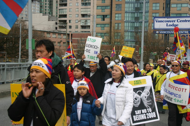 Global Protest in Vancouver BC/photo by Crazy Yak - IMG_0232.JPG