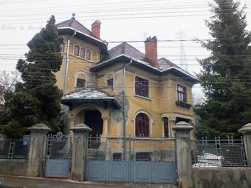 casa centru istoric piatra neamt