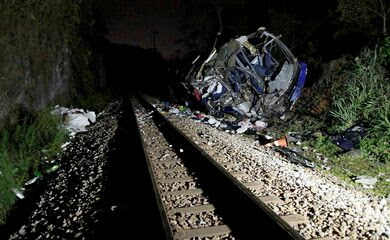 Morre 19ª vítima de acidente com ônibus no interior de Minas Gerais