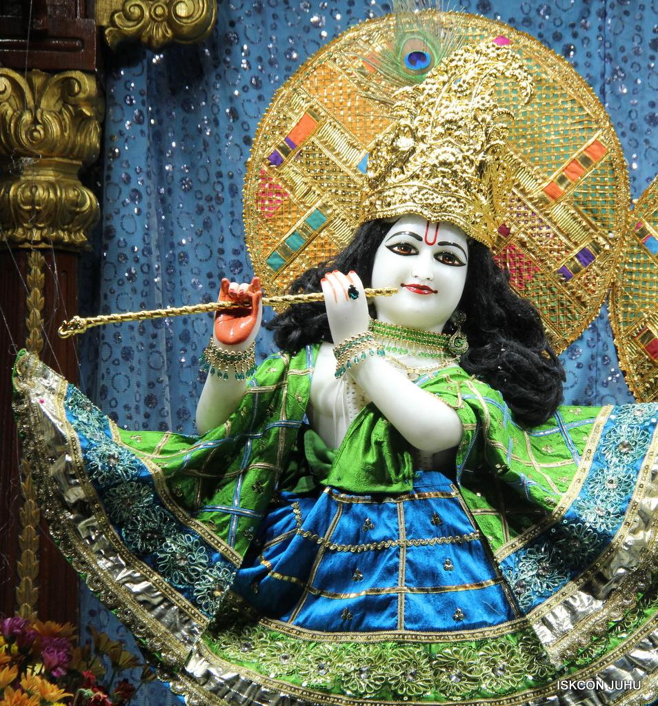 ISKCON Juhu Mangal Deity Darshan on 5th Sep 2016 (26)