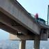 Una jovencita intenta suicidarse y amenaza con lanzarse de un puente elevado en Hermosillo
