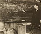 授業風景。社会科の授業のようです。(1953)