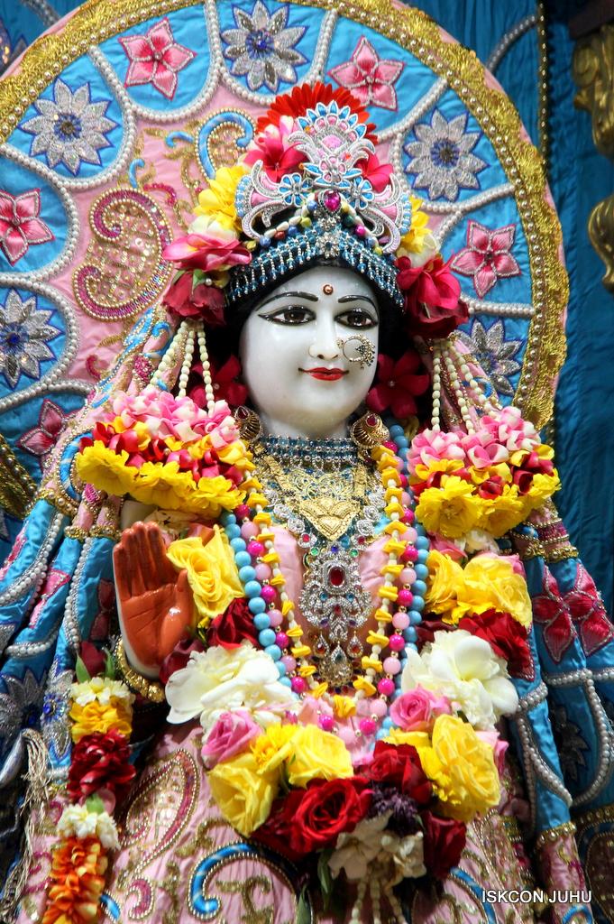 ISKCON Juhu Sringar Deity Darshan on 29th Dec 2016  (4)