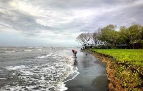 Wisata di pantai indah muara gembong , wisata ke sini asik untuk keluarga