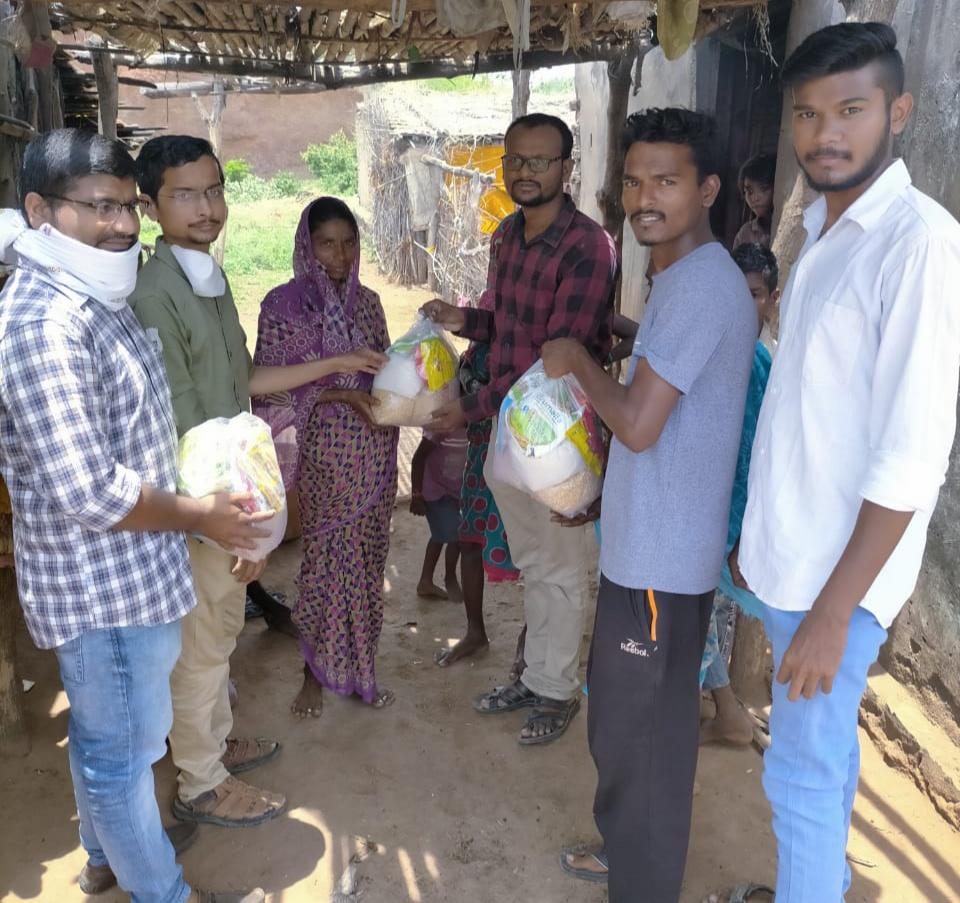 - २३ व्या वाढदिवसाशी २३ वृक्षाची लागवड  - आत्महत्याग्रस्त शेतकरी कुटुंबांना जीवनावश्यक वस्तुचे वितरण  -पाथ फाउंडेशन व मित्रमंडळाचे आयोजन