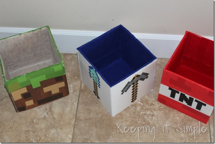 DIY-Minecraft-Creeper-Steve-and-Zombie-Costumes (16)