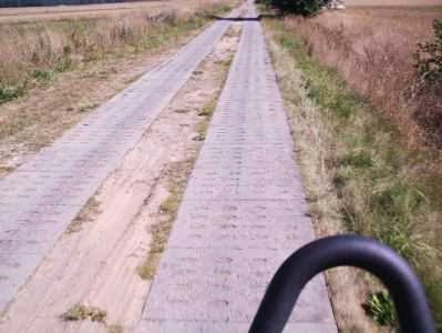 Beton-Platten auf dem Ostsee-Radweg in Polen