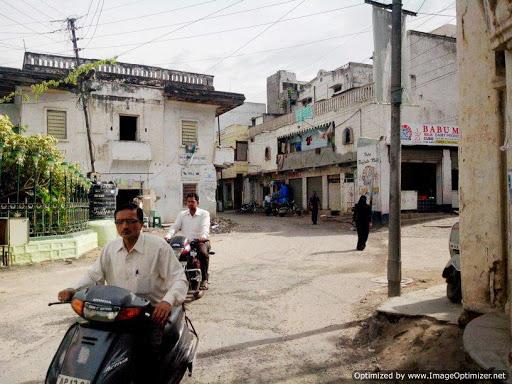 Hyderabadi Baataan - b732f6c5276aa6cf43d71018c4b1bf371e6c28d9.jpg