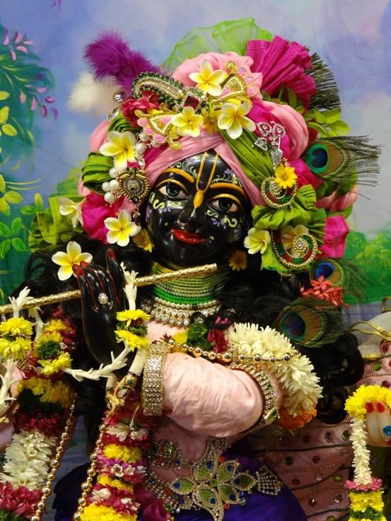 ISKCON Nigdi Deity Darshan 17 Dec 2015 (22)