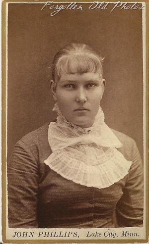 CDV Lady with bangs and big bow Dorset 3