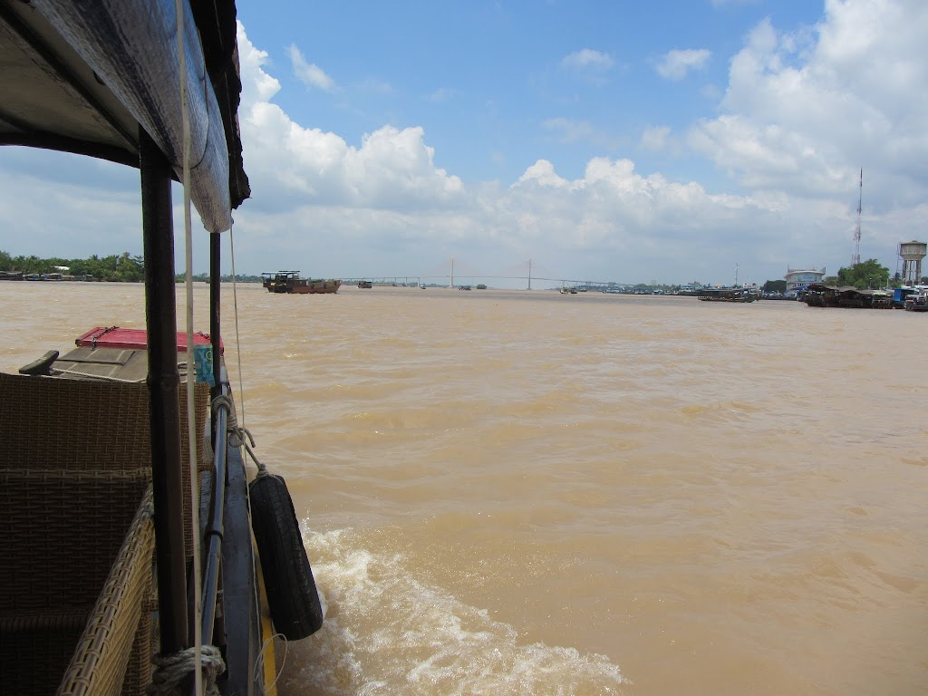 0019A_Day_on_the_Mekong