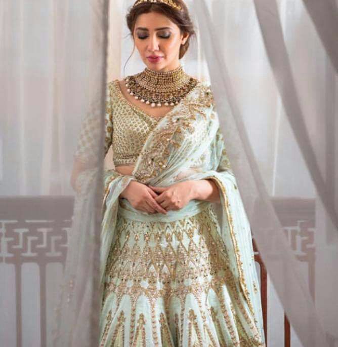 Mahira Khan looking gorgeous in latest Fashion shoot