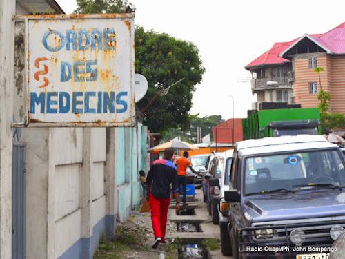 Kinshasa : manifestation des médecins pour réclamer la prime de risque