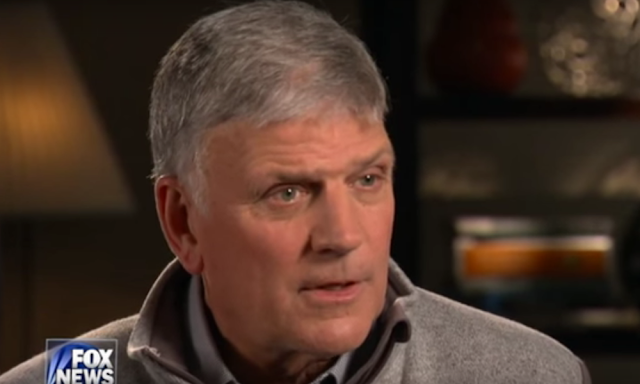 Progressive preacher calls on Franklin Graham to love his Muslim neighbors