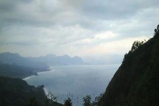 Foto Pemandangan Pantai Sawarna dari Ketinggian