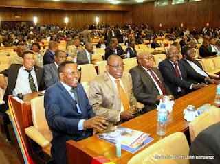 Des députés lors de l'élection du bureau définitif de l'Assemblée nationale congolaise le 12/04/2012 à Kinshasa. Radio Okapi/ Ph. John Bompeng