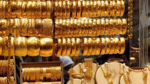 شاهد ..هبوط حاد في أسعار الذهب