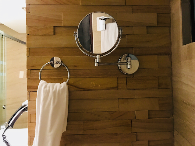 Grand Sierra Pines Hotel in Baguio City - bathroom
