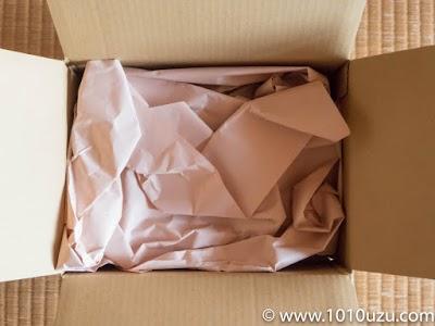 NTT-X Storeからはぴっしり紙が詰まって届いた