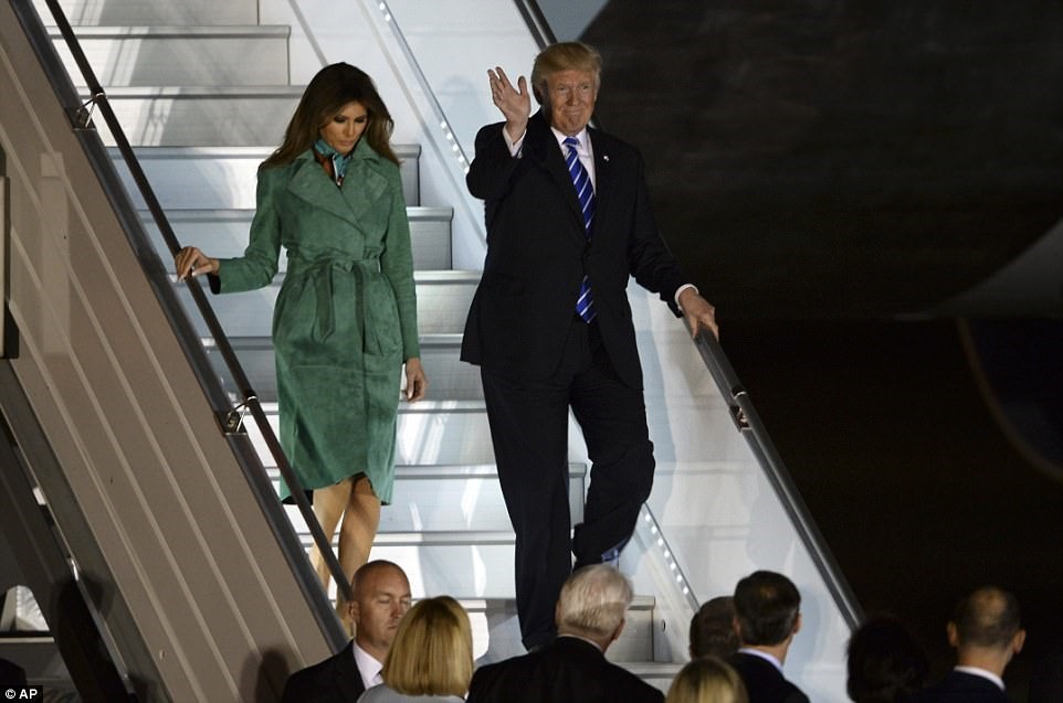 [421125C800000578-4668724-The_Trump_s_disembark_Air_Force_One_on_Wednesday_as_seen_above-a-21_1499295088052%5B3%5D]