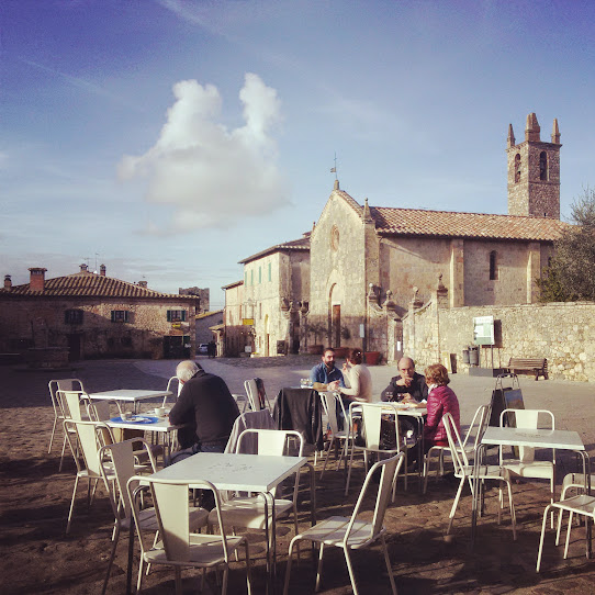 Lunch at bar il Cerchio in the December sun