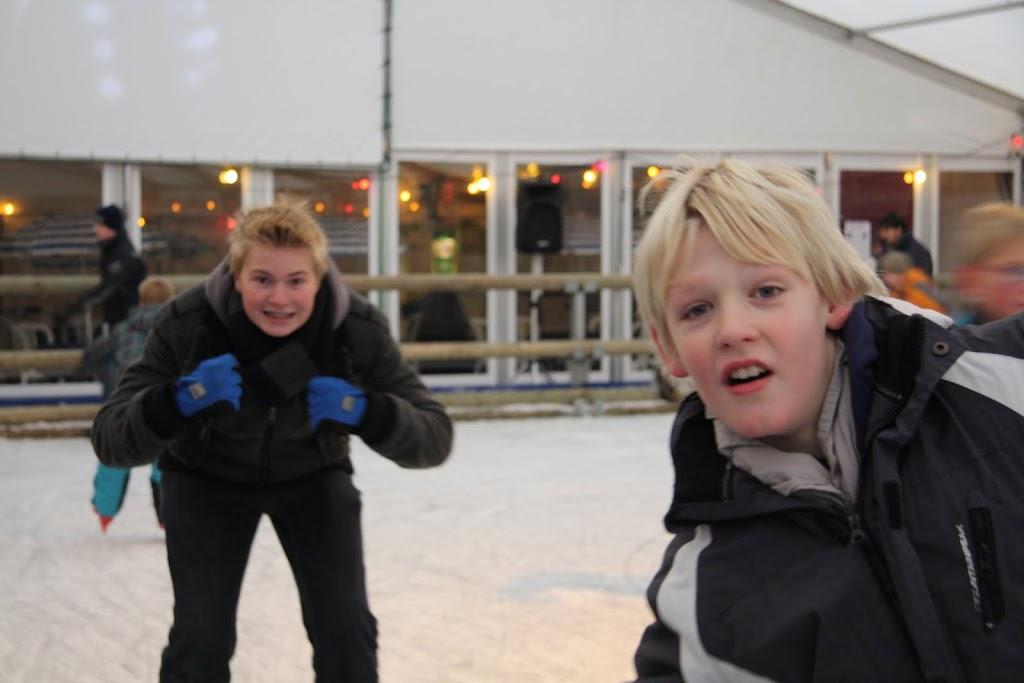 Sinterklaas bij de schaatsbaan - IMG_0332.JPG
