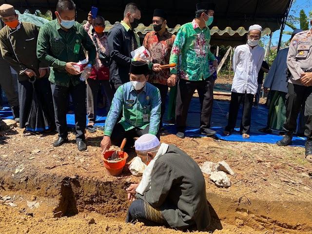 Abdul Hadi Letakkan Batu Pertama Pembangunan Pondok Pesantren Al-Munashohan