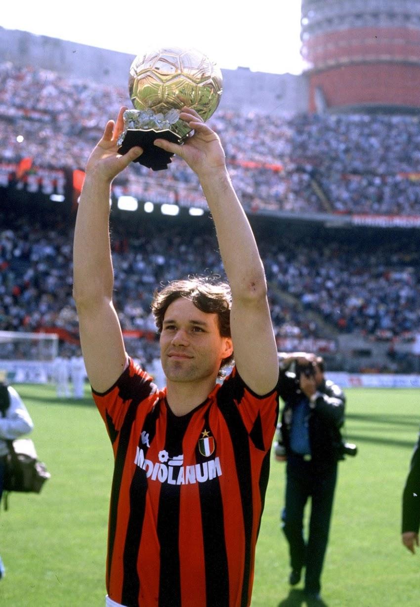 Tanti auguri a Marco van Basten che oggi compie 54 anni
