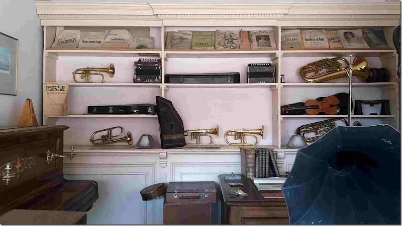 small music shop