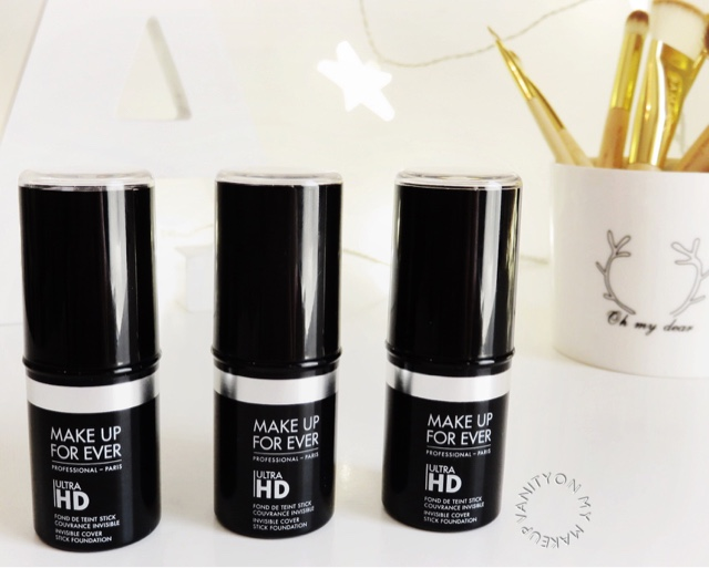 I will start the review by telling you more about my skin type and what I like in foundations.