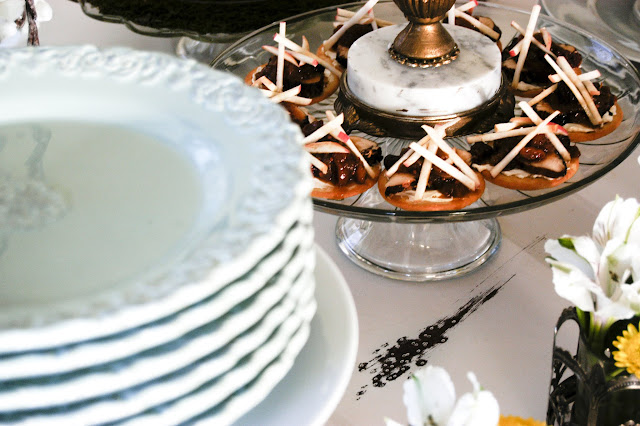 How to set a bufffet table- The Style Sisters, Stack plates