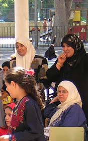 Latifa Boumediane en una de las Fiestas de Fin de Curso de la madrasa.